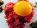 tartare di podolica con uovo marinato