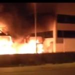 La foto dell'incendio del capannone nella zona annonaria di qualche mese fa