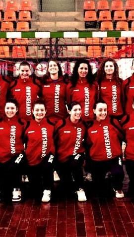 La squadra Amatori Handball Conversano in un'immagine di repertorio della stagione 2013-2014