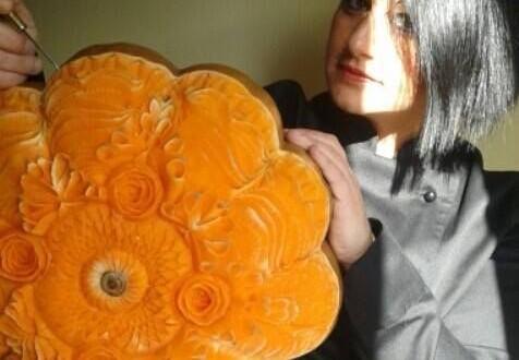 Quando il cibo si fa arte. Rosy Campione maestra di Thai Carving