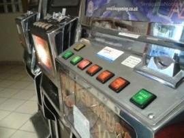 20130417-slot-machines-320x240