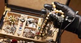 gioielli-furto