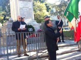 Nella foto il colonnello Motolese durante il suo brevissimo discorso alla presenza di circa 100 cittadini