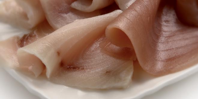 La rendicontazione della mostra di De Chirico riserva altre sorprese: dallo sfilettato di pesce spada alla sbriciolata