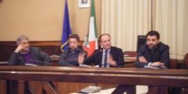 Nell'immagine di repertorio da sinistra: l'assessore Mancini, il presidente del Consiglio Comunale D'Ambruoso, il sindaco Lovascio, il vicesindaco Gungolo