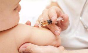 Bambini costretti a vaccinarsi in luoghi insalubri e con aria viziata. Le rimostranze dei genitori