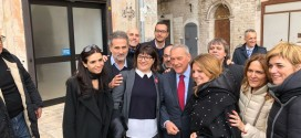 Anna Maria Candela con il presidente del Senato Pietro Grasso a Bari