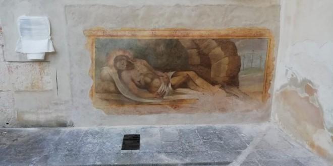 Il ricordo di Davide D'Accolti restituisce alla comunità un'altra opera d'arte restaurata: il Cristo Deposto presso S.M. dell'Isola