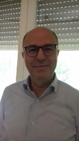 L'autore, il dr. Dionigi Lorusso, è stato consigliere comunale dell'AltraCittà dal 1995 al 1999 nella prima esperienza dell'amministrazione guidata da Vito Bonasora. Ha svolto la funzione di primario chirurgo presso l'IRCSS di Castellana Grotte fino al giugno 2020