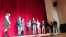 A fine spettacolo la famiglia Fazio, Sara Bevilacqua, l'autore Osvaldo Capraro e l'avv. Michele Laforgia sul palco del Radar di Monopoli