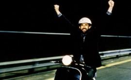 """Nanni Moretti nel film Aprile in cui pronunciò una frase passata alla storia del cinema :""""D'Alema, dì qualcosa di sinistra..."""""""
