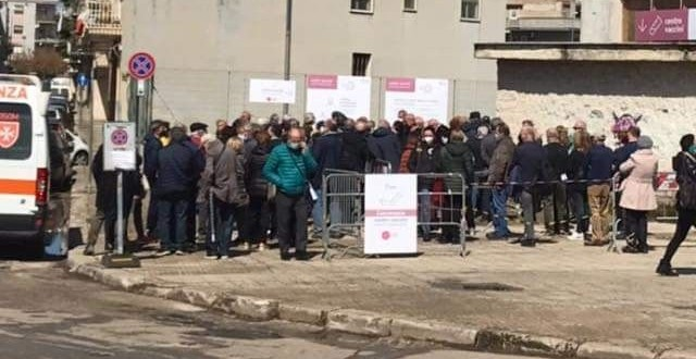 """Oggi 15 aprile sono stati vaccinati 366 cittadini cosiddetti """"fragili"""". Domani si riprende nel pomeriggio"""