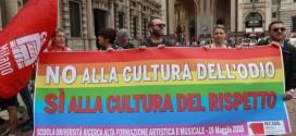 Approvato in Consiglio Comunale l'ordine del giorno a sostegno del DDL Zan sul contrasto alle discriminazioni fondate sull'orientamento sessuale. Cinque gli astenuti