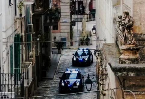 Polignano a Mare, arrestato dai Carabinieri mentre tenta di estorcere denaro